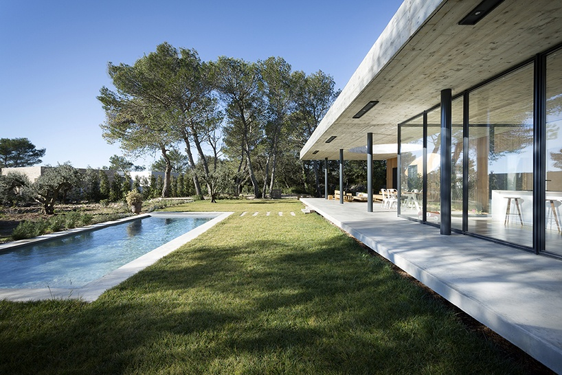 pascual-architecte-maison-0.82-france-designboom-10