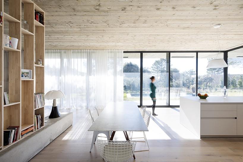 pascual-architecte-maison-0.82-france-designboom-05