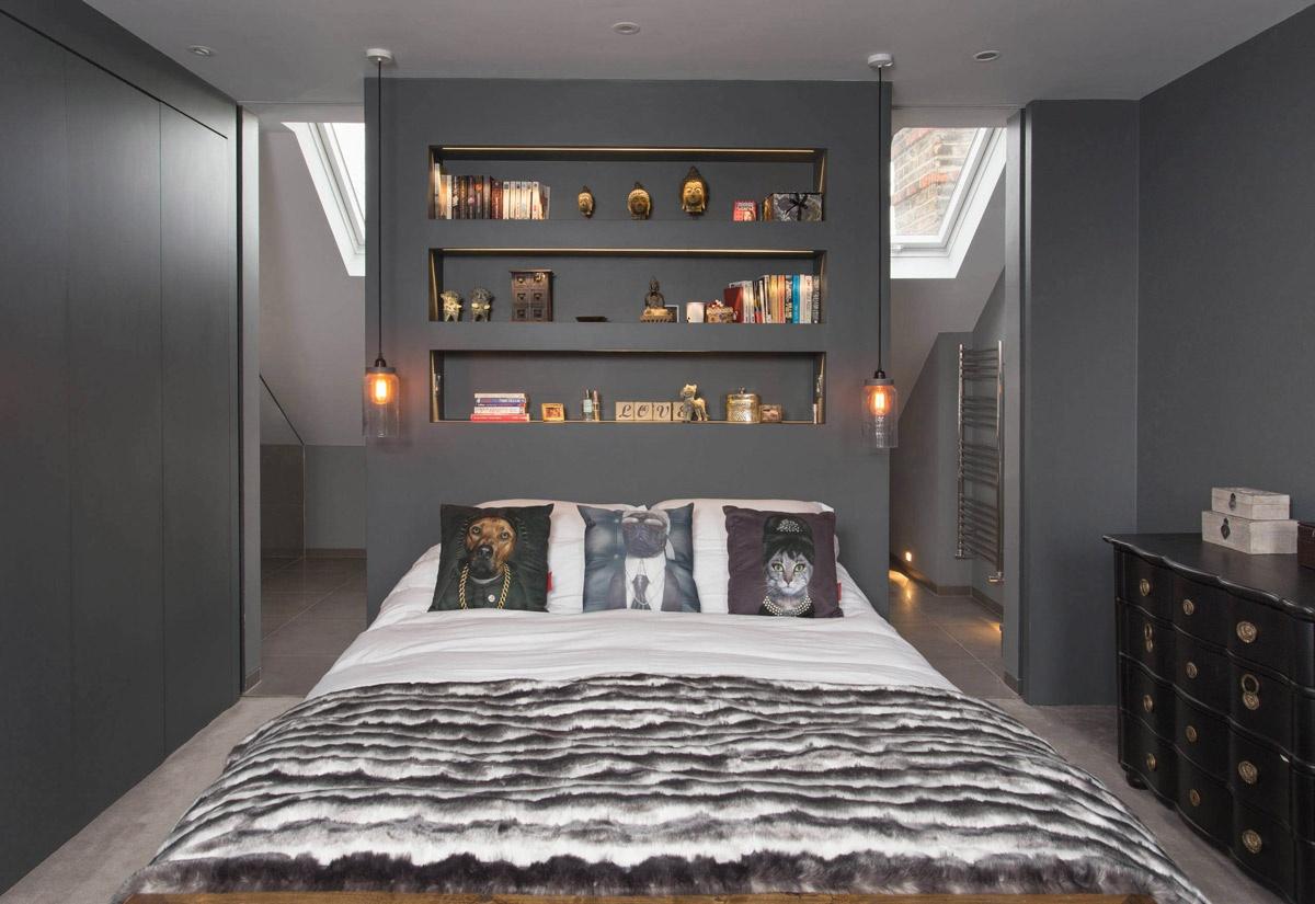 6-perete-fals-construit-la-capul-patului-unui-dormitor-mansardat
