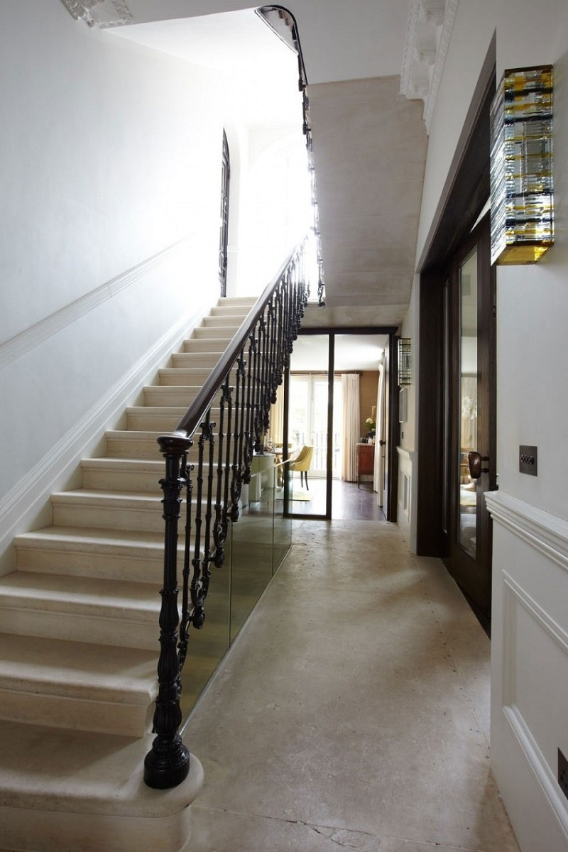notting-hill-townhouse-restoration-central-hall