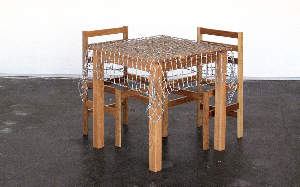 barbed-wire-table-clothes-slide3