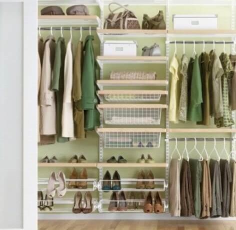Наполнение шкафа купе одеждой