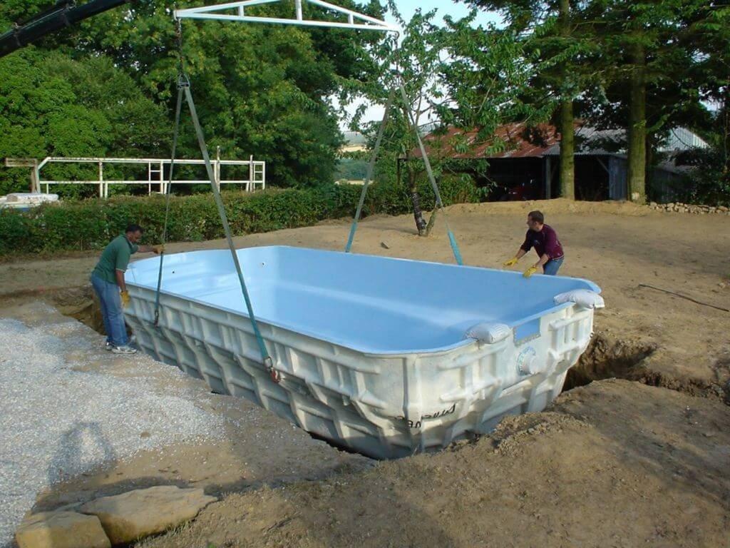 Создатель композитного бассейна из стеклопластика