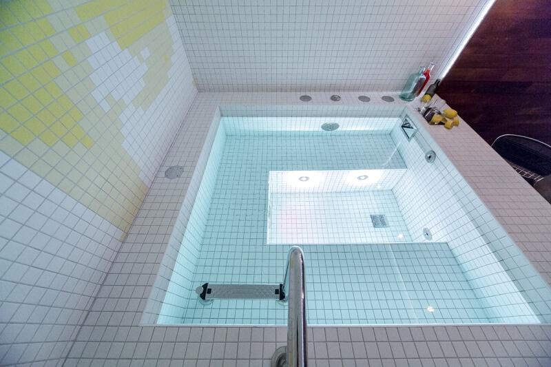 Результат отделки бассейна плиткой