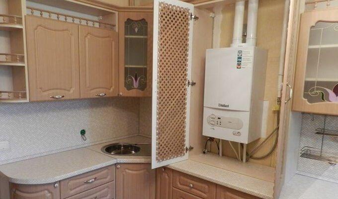 Газовая колонка на маленькой кухне