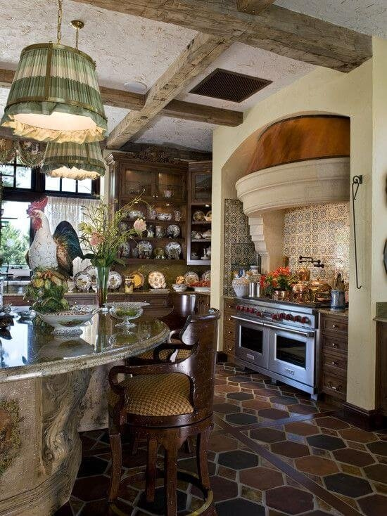 Маленькая кухня в стиле Прованс в естественных цветах
