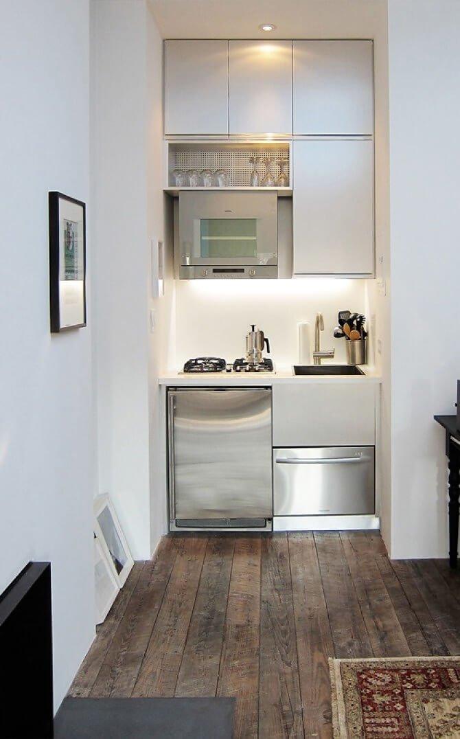 Красивые светло-фиолетовые цвета на маленькой кухне