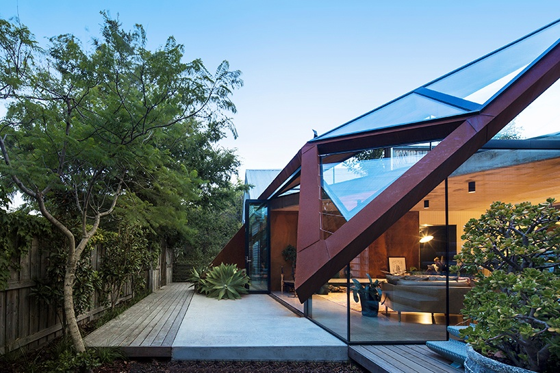 damian-rogers-architecture-the-leaf-house-melbourne-designboom-09
