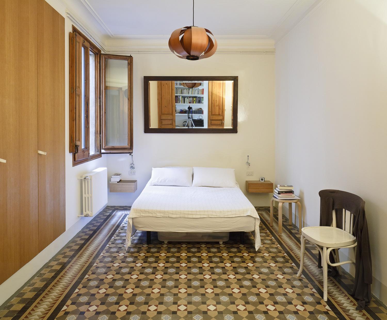 barcelona_flat_master_bedroom