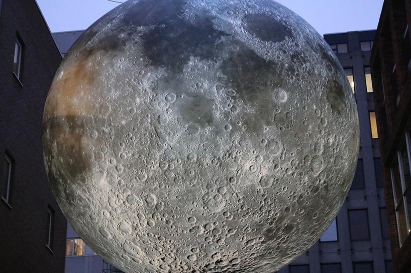 luke-jerram-museum-of-the-moon-010