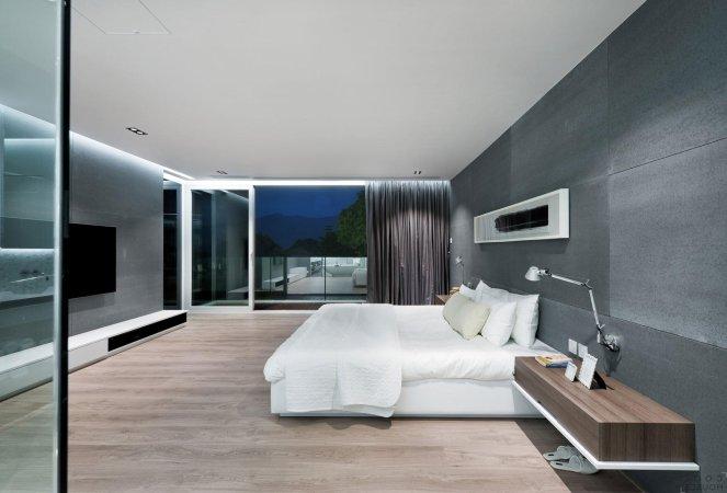 Хай тек спальня с серыми стенами