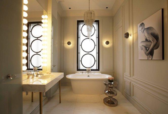 Фото уютного освещения в ванной