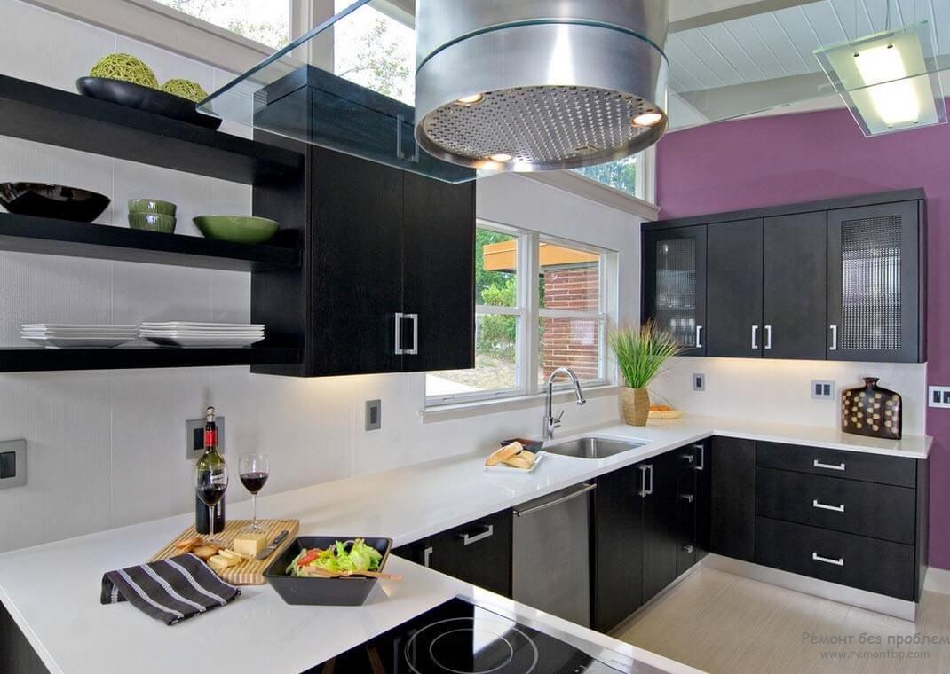 Фото черно белой кухни с яркими красками