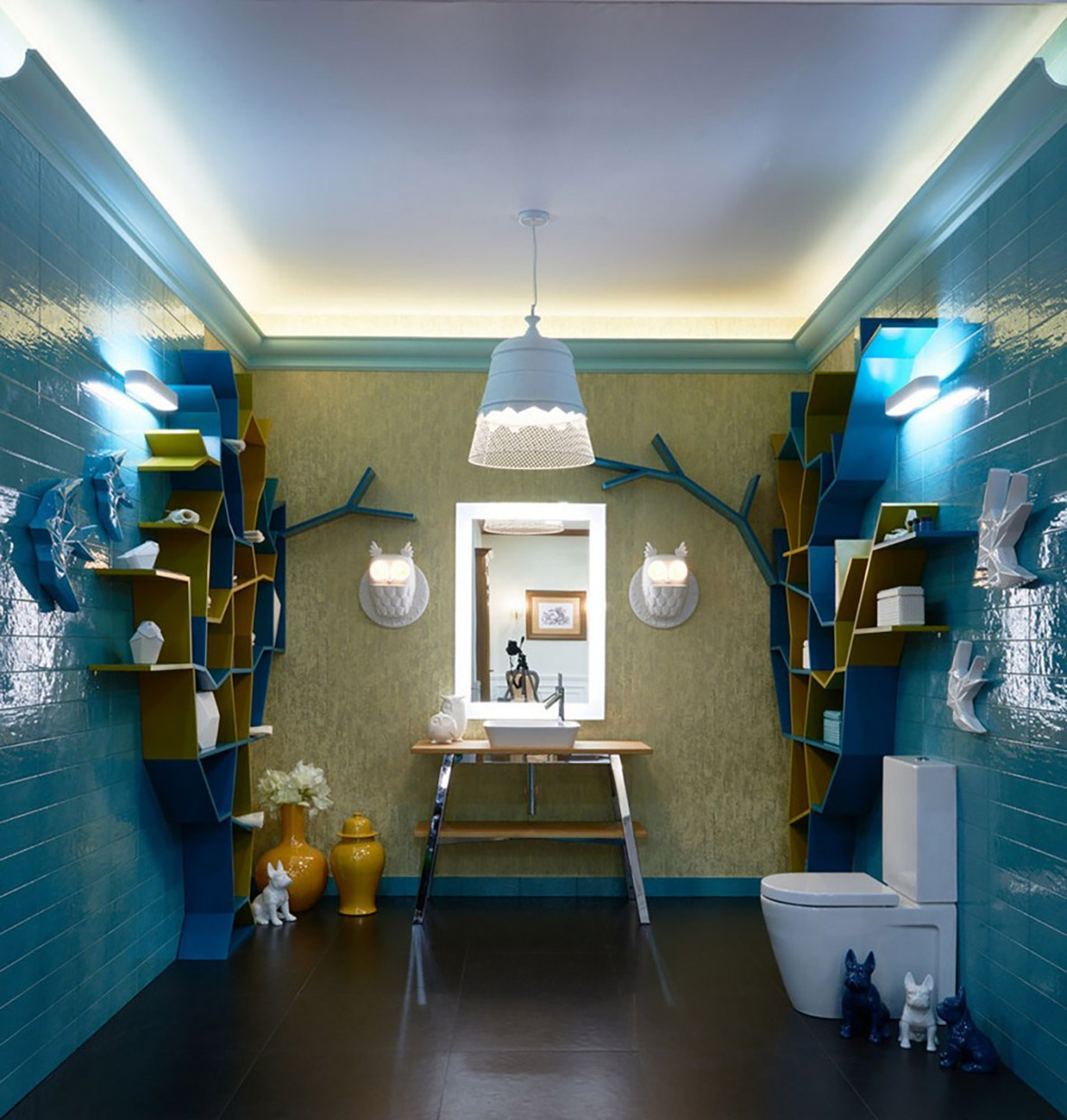 1-creative-bathroom-interior-design-eclectic-eco-style-shelving-unit-tree-shaped-turquoise-blue-glazed-wall-tiles-golden-wallpaper-omexco-floor-standing-vanity-u_01