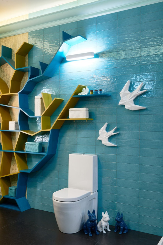 2-creative-bathroom-interior-design-eclectic-eco-style-shelving-unit-tree-shaped-turquoise-blue-glazed-wall-tiles-golden-wallpaper-omexco-floor-mounted-toilet-by