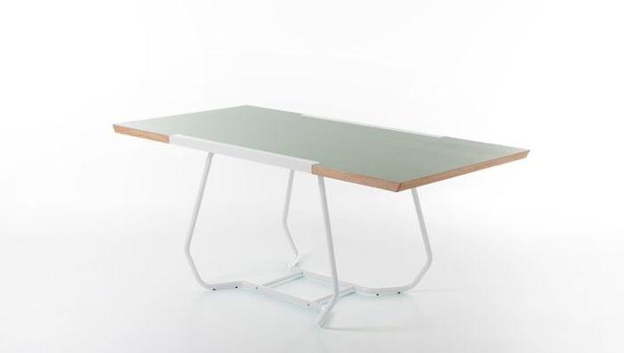 Стол Duale, разработанный дизайнером Лука Биналья (Luca Binaglia) для компании Formabilio