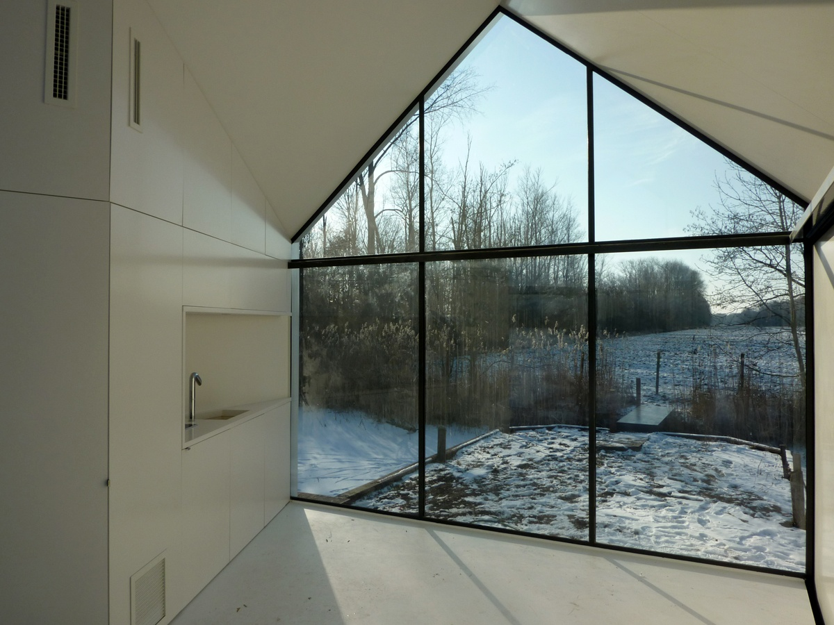 interior-with-view-on-the-landscape_01