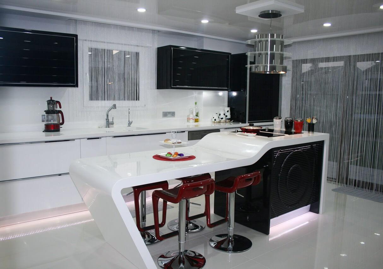 Кухонная вытяжка над барной стойкой