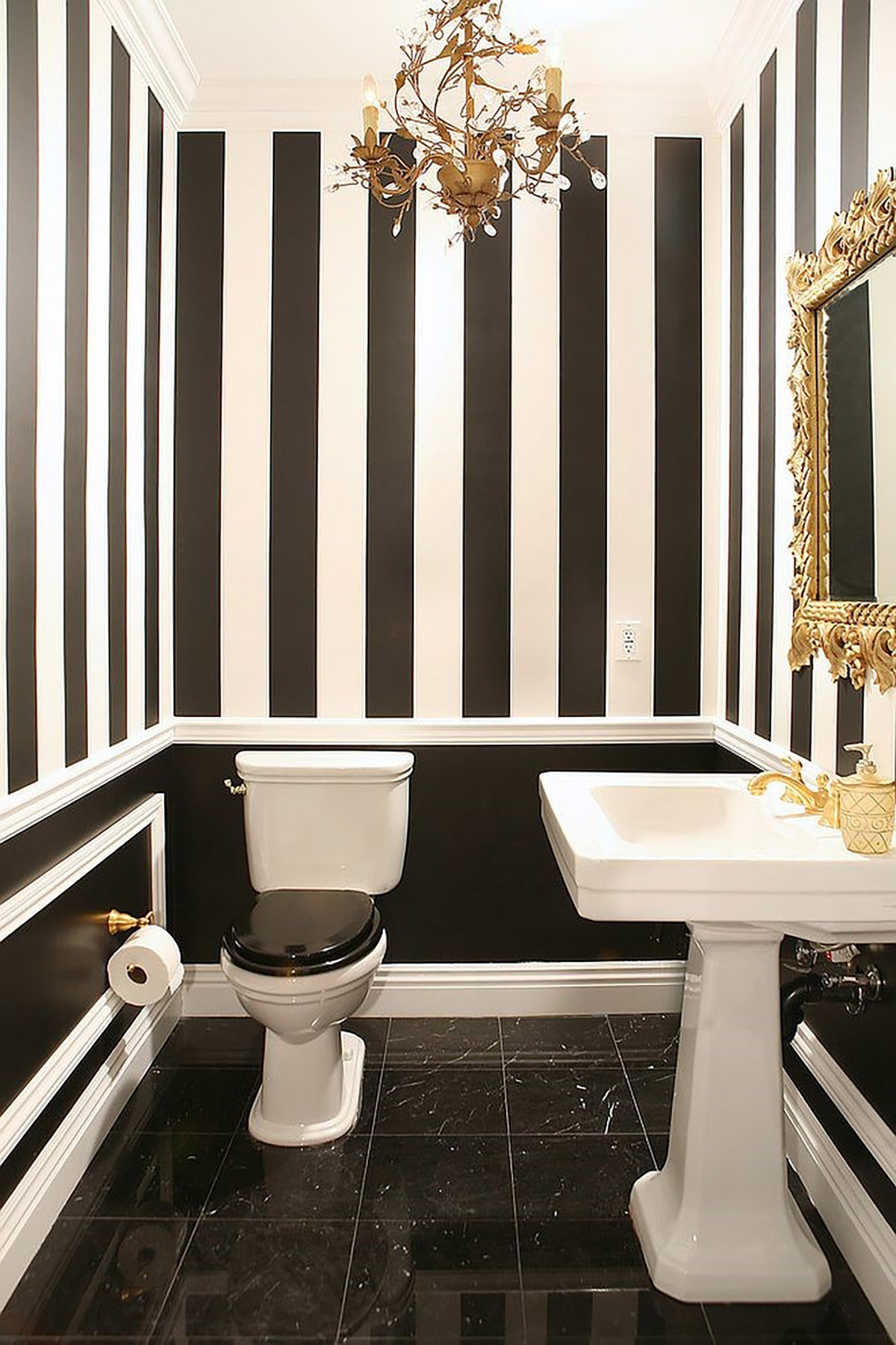 gold-coupled-with-black-and-white-in-the-lovely-powder-room