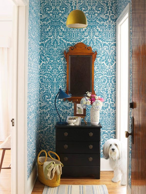 blue-wallpaper-hallway