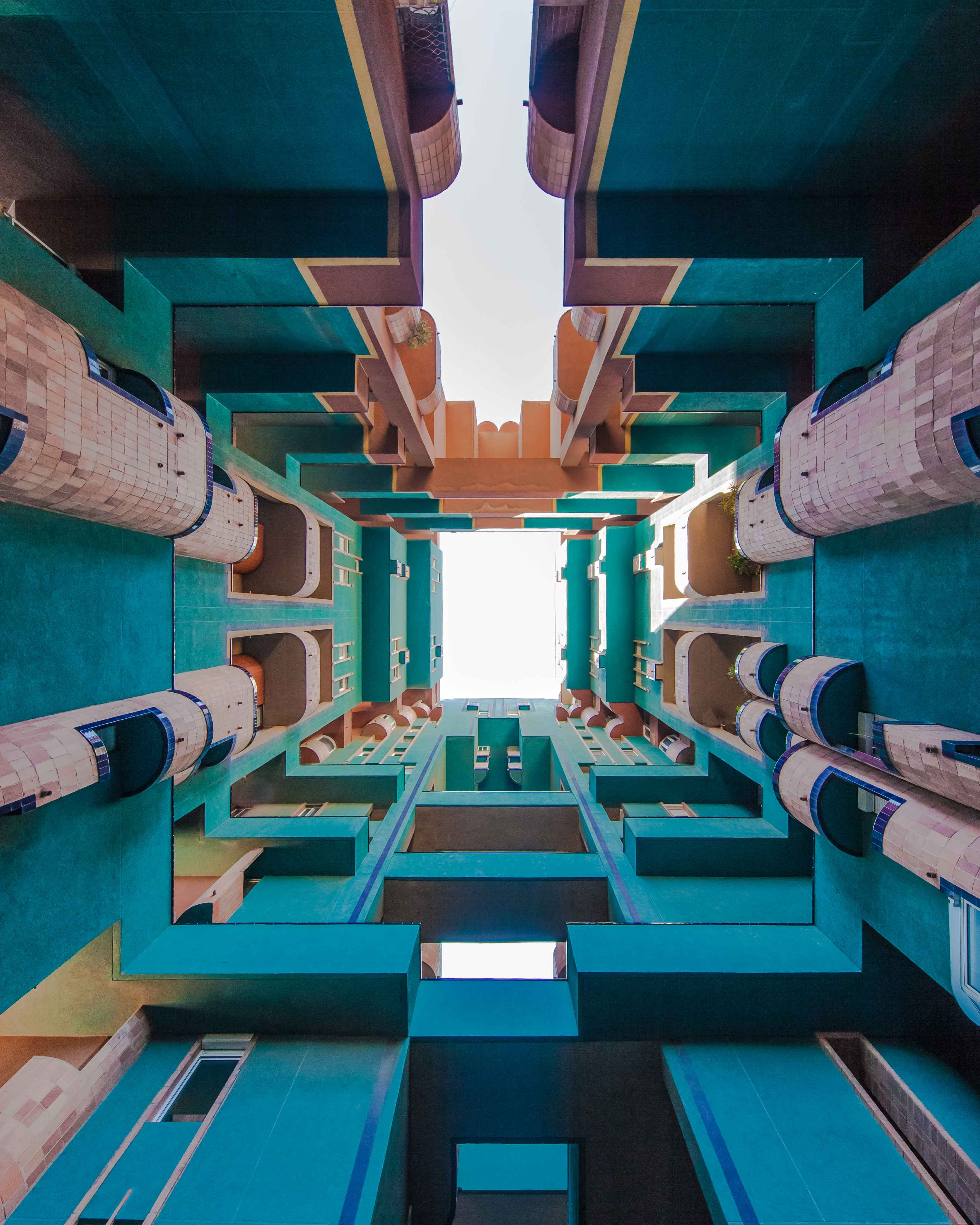 walden-7-sant-just-desvern-by-bofill-architects-lerichti