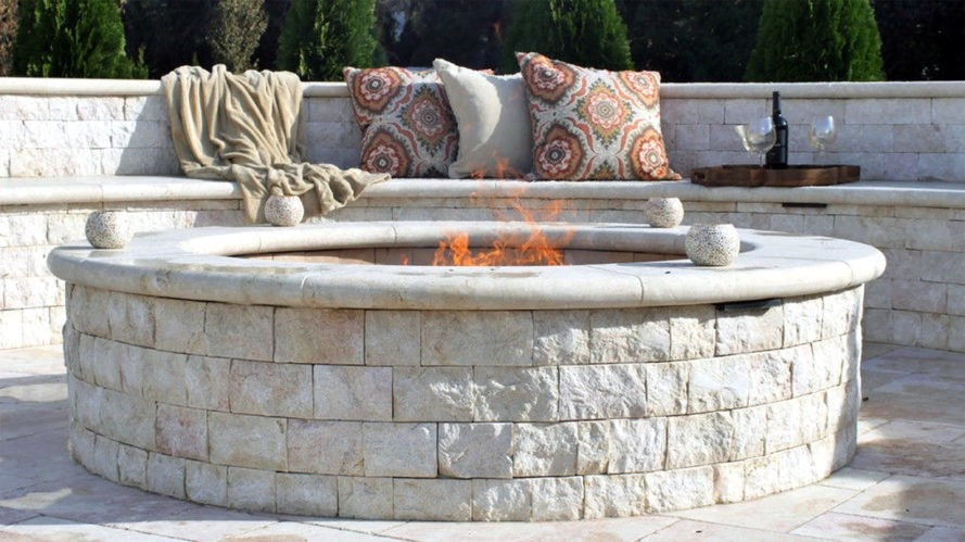stacked-stone-fire-pit-image-courtesy-of-marmiro-stones-2-889x499_01