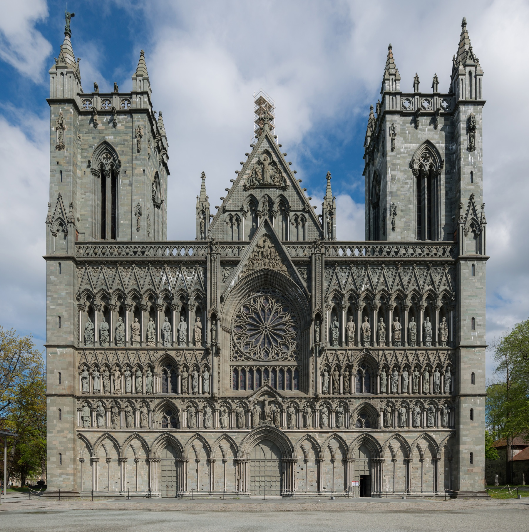 nidaros_cathedral_web