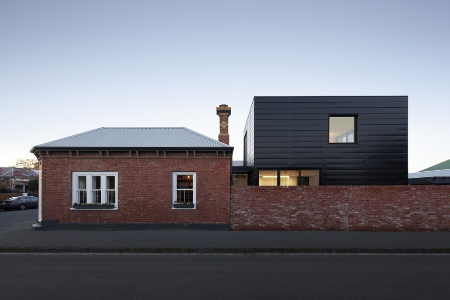 modular-extension-to-an-old-brick-house-1