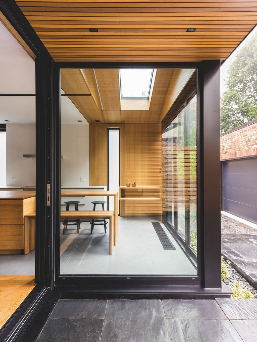 black-box-house-in-montreal-6