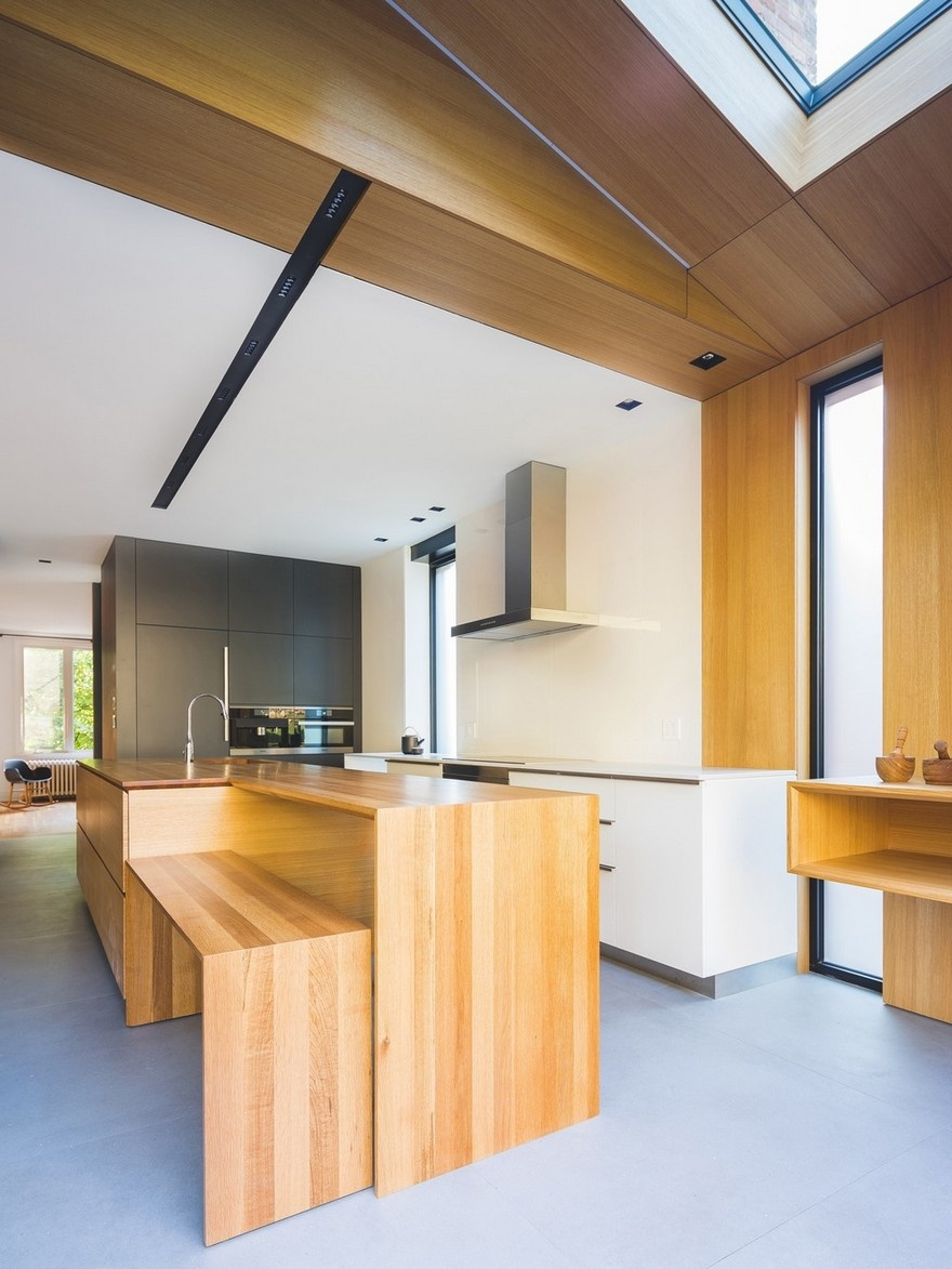 black-box-house-in-montreal-10_01