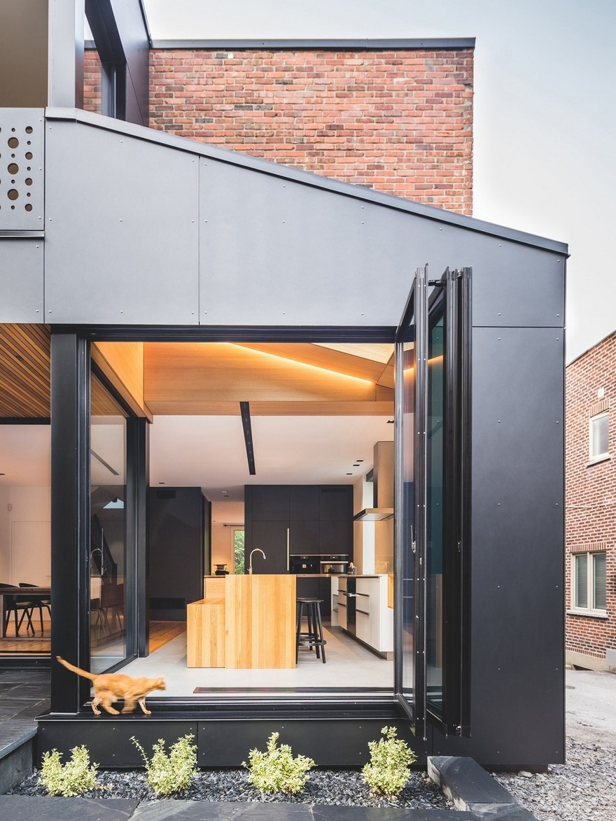 black-box-house-in-montreal-4_01
