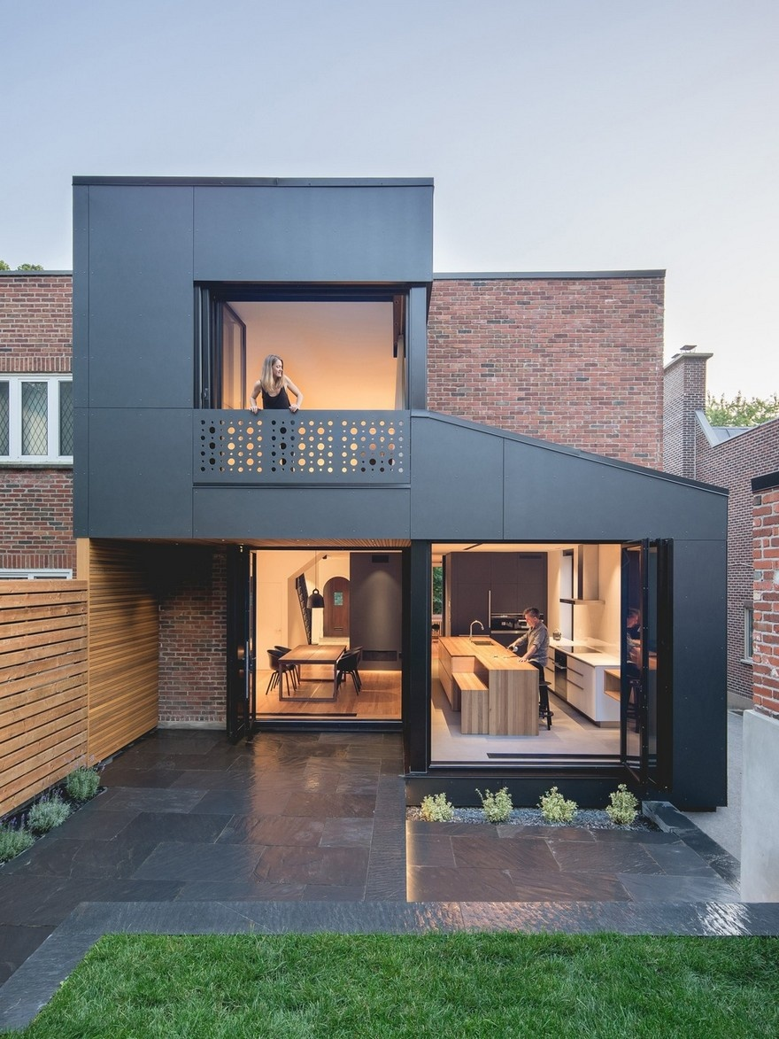 black-box-house-in-montreal-1_01