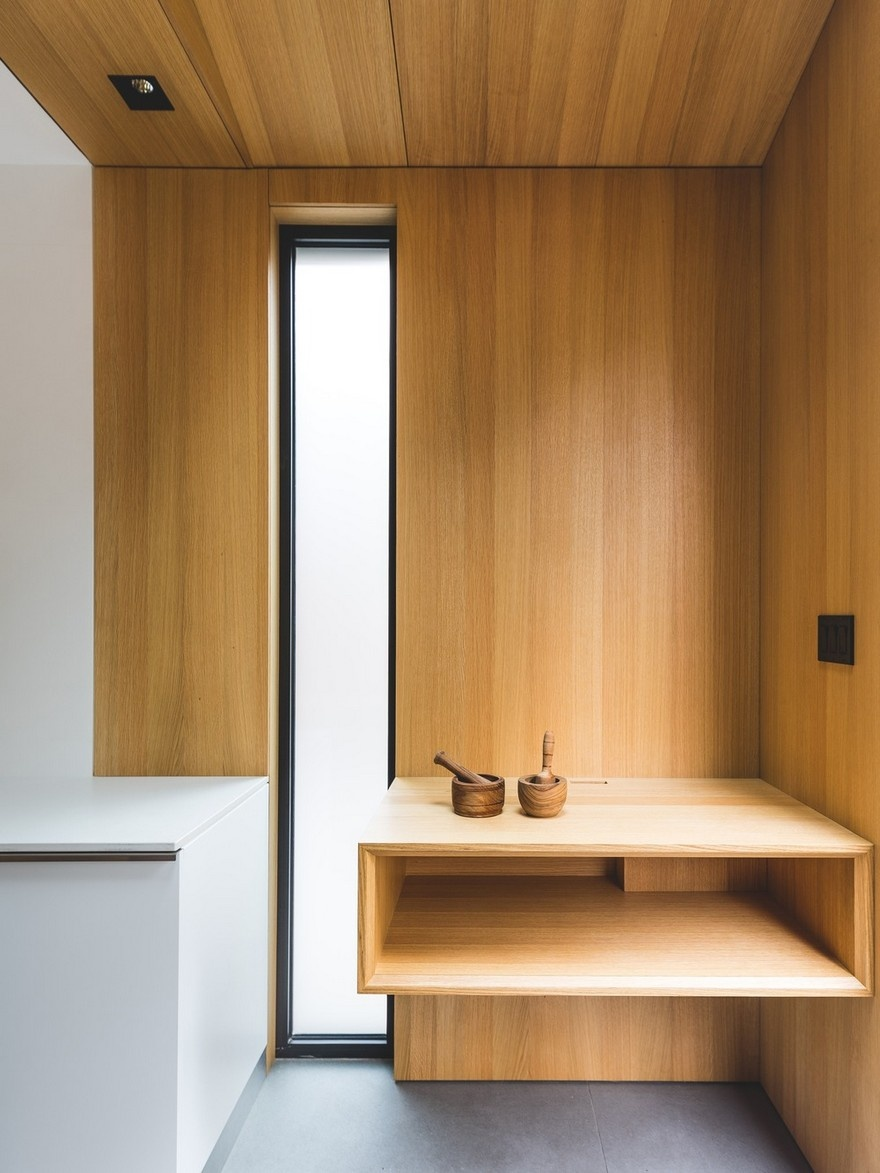 black-box-house-in-montreal-11