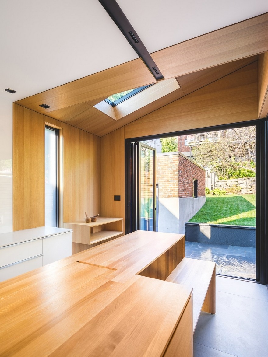 black-box-house-in-montreal-8