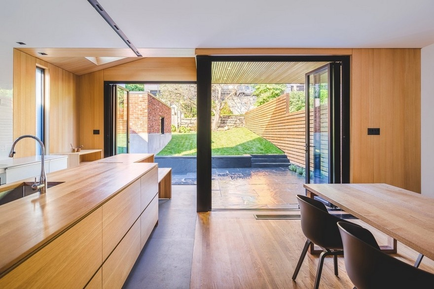 black-box-house-in-montreal-12_01