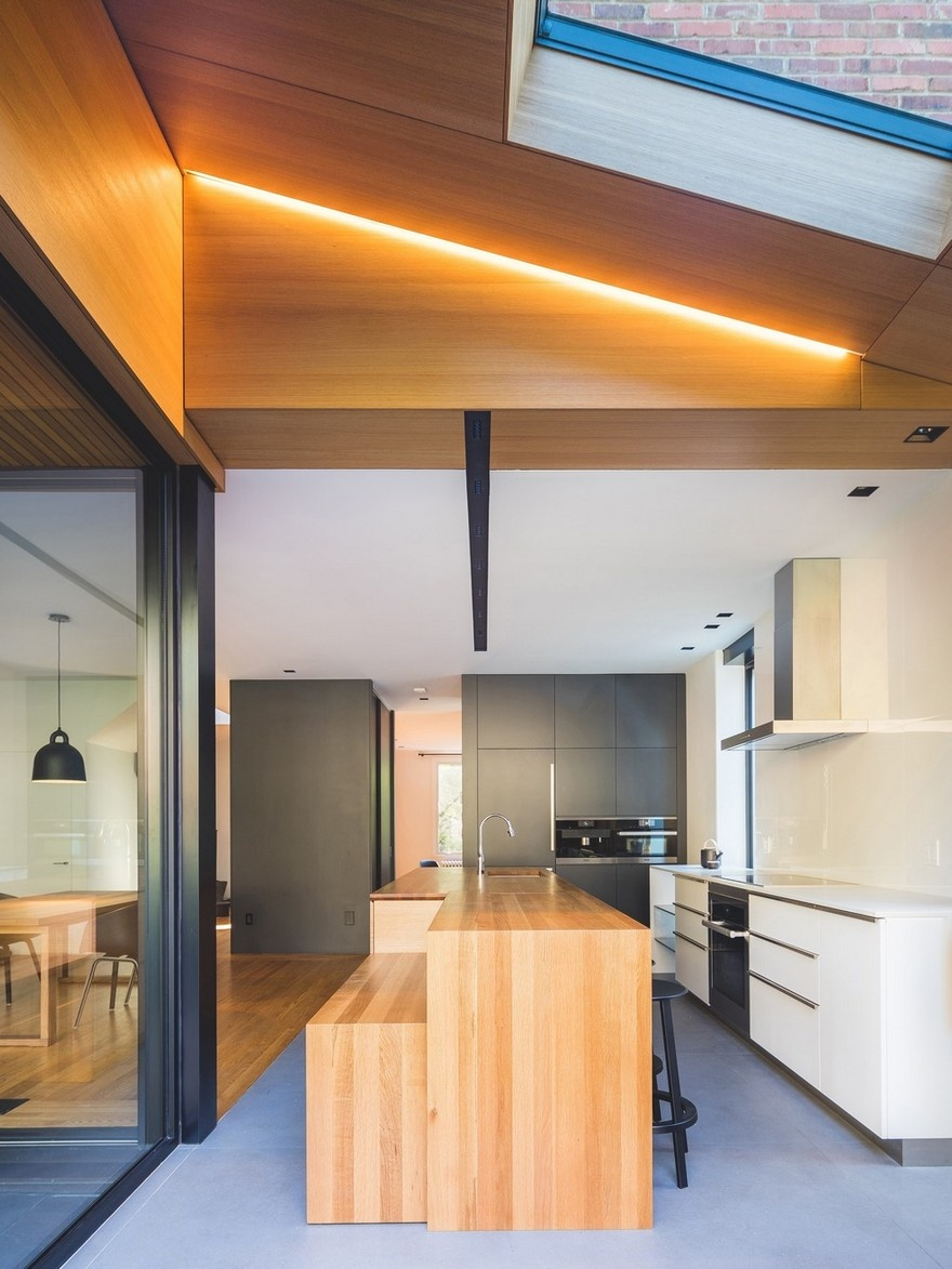 black-box-house-in-montreal-9