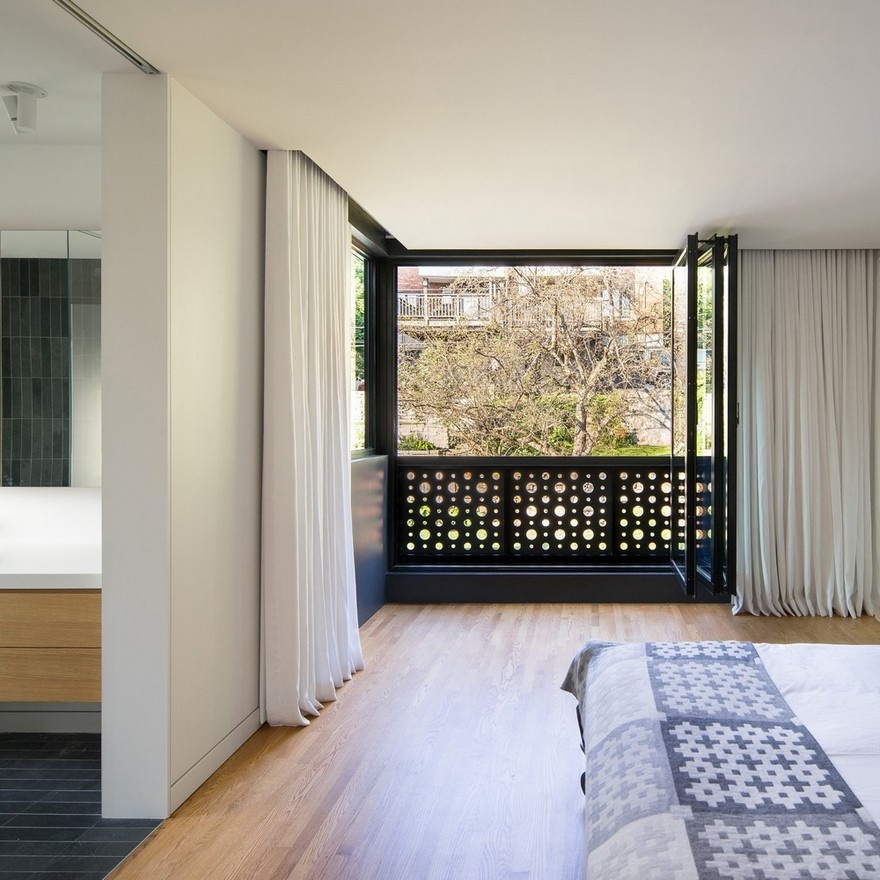 black-box-house-in-montreal-17_01