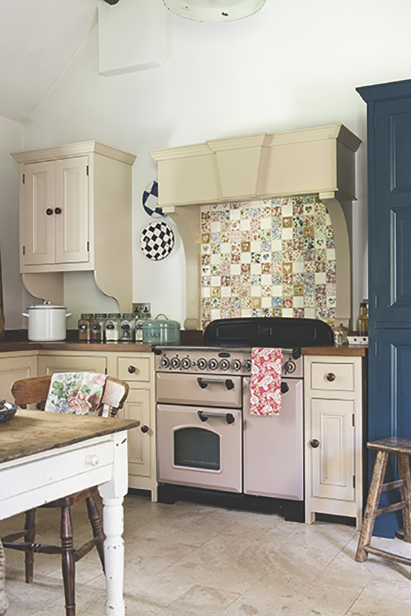gerrish-pink-range-cooker-floral-splashback_01