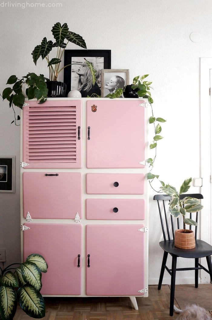 pink-interiors-pink-cupboard-_01