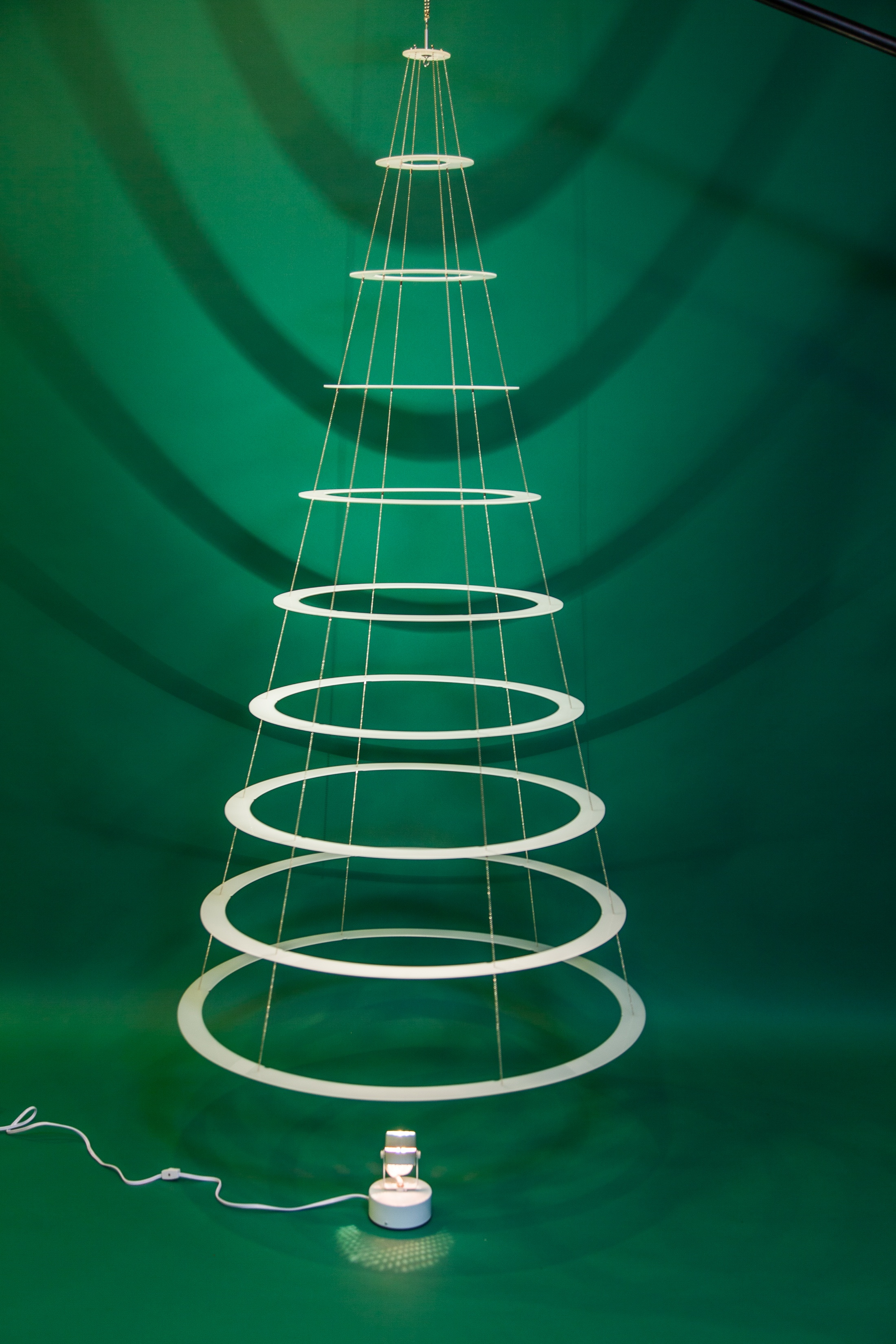 collapsable-rings-christmas-tree-white
