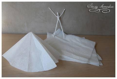 diy-napkin-paper-ballerina-7
