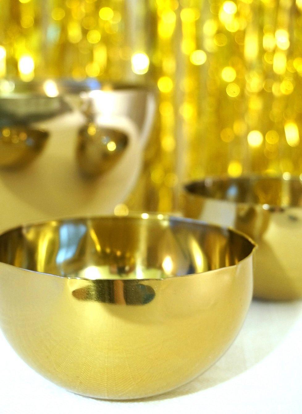 brassy-bowls-add-holiday-cheer