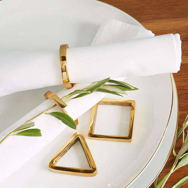 geometric-gold-napkin-rigs