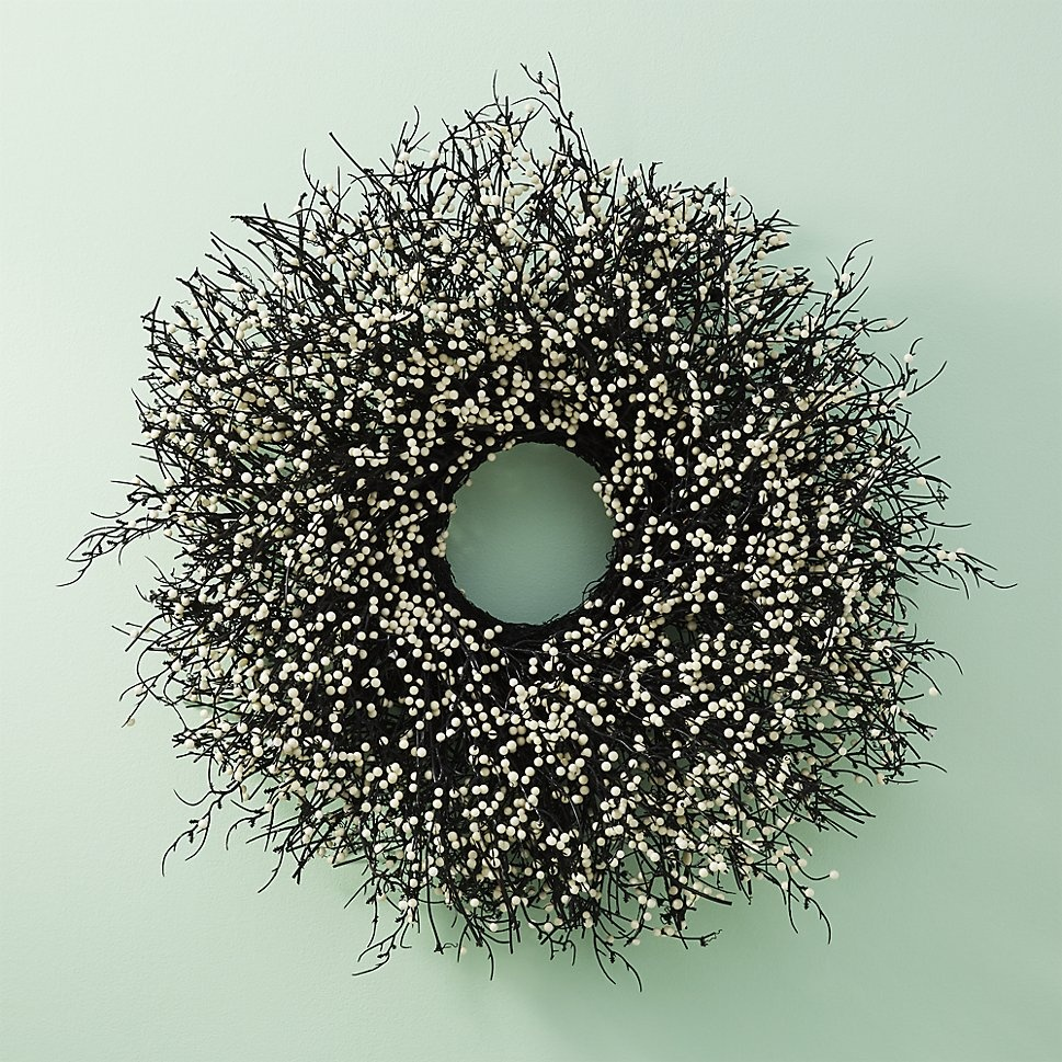 the-beauty-of-a-berry-wreath