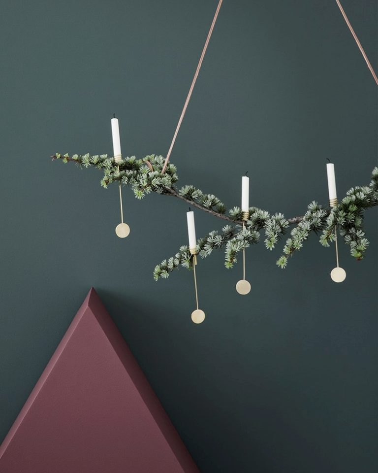 christmas-tree-candle-holders-add-modern-charm-768x960.