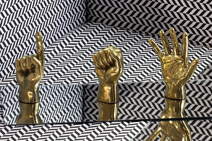 brass_hands2