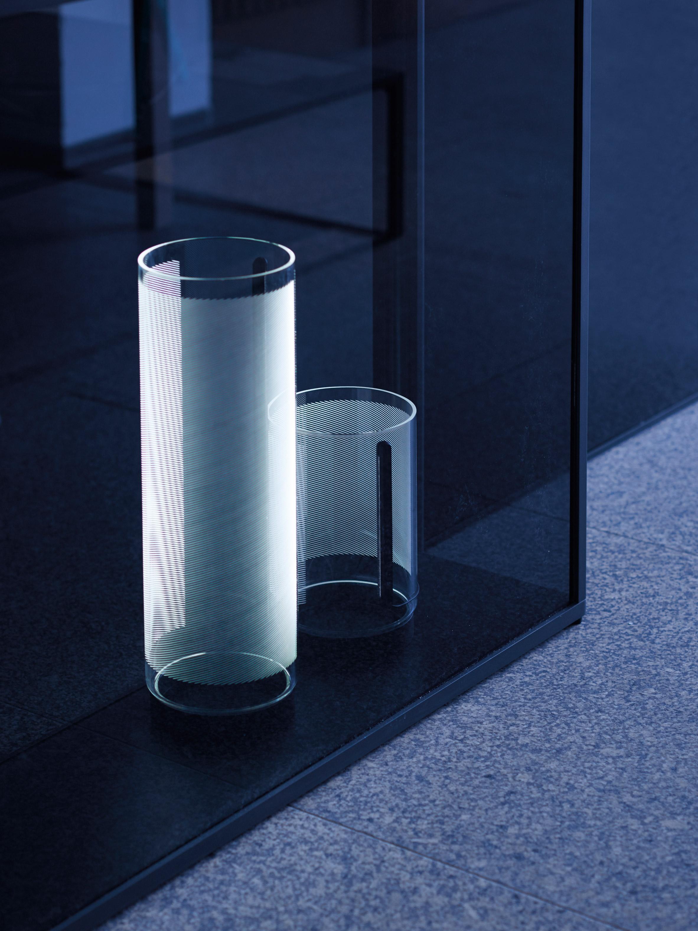 guise-stefan-diez-design-lighting-lamps_dezeen_2364_col_5_01