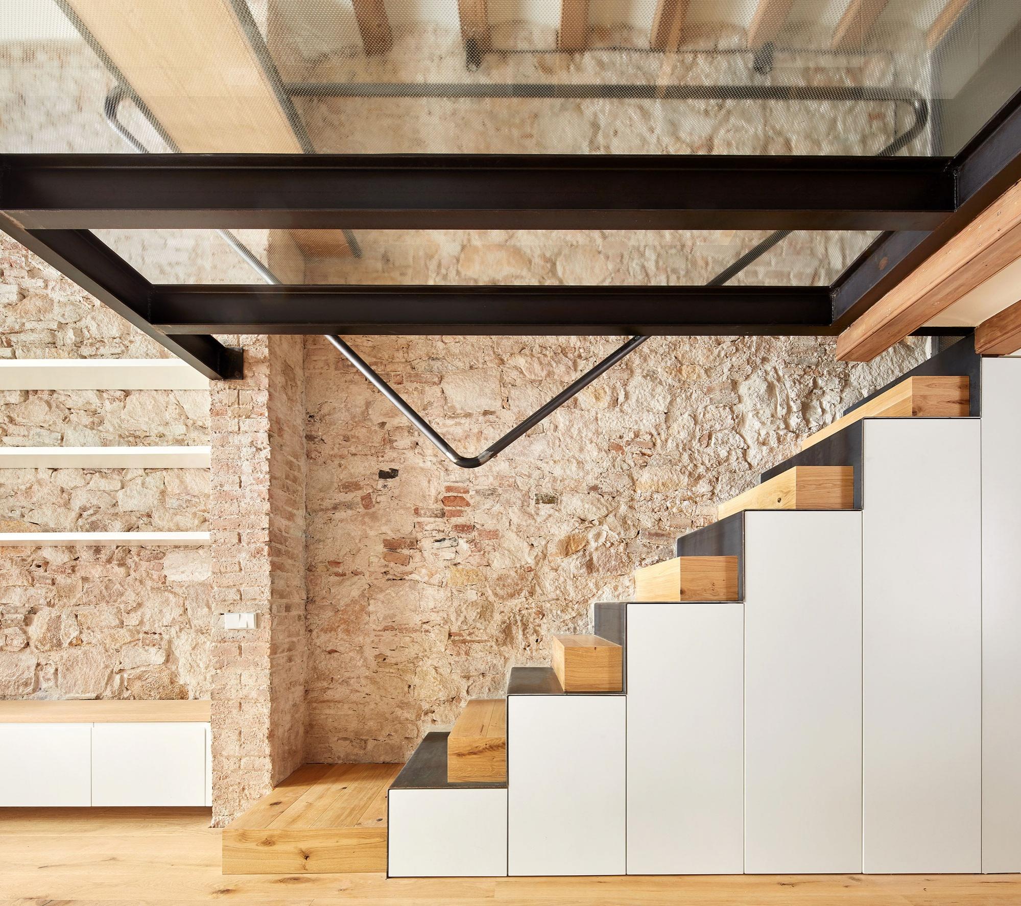 stone-house-renovation-11_01