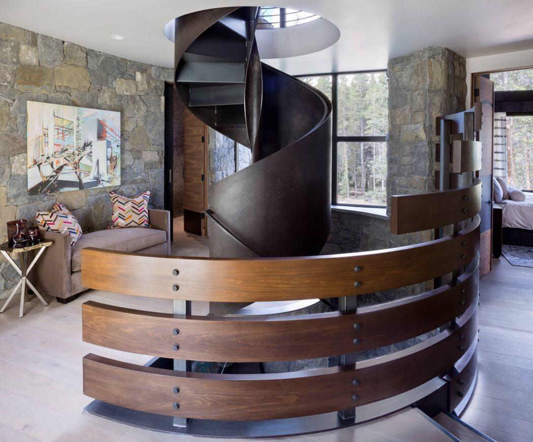 escalier-rustique-interieur-chalet-maison-de-vacances-montagne