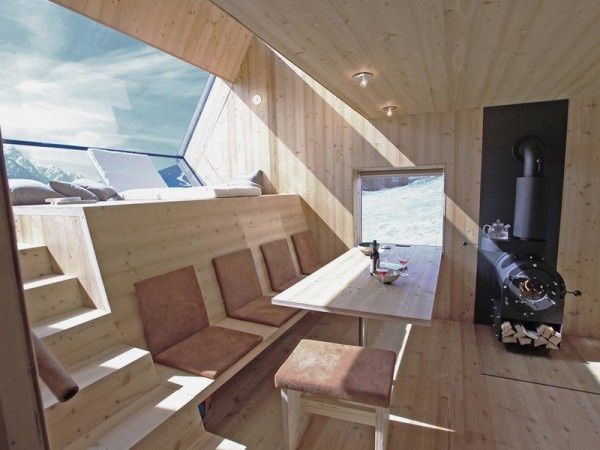 small-unusual-cabin-made-entirely-of-wood-8-600x450